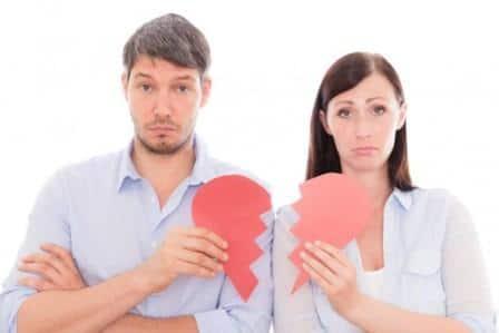 мужчина и женщина с раздорванным сердцем