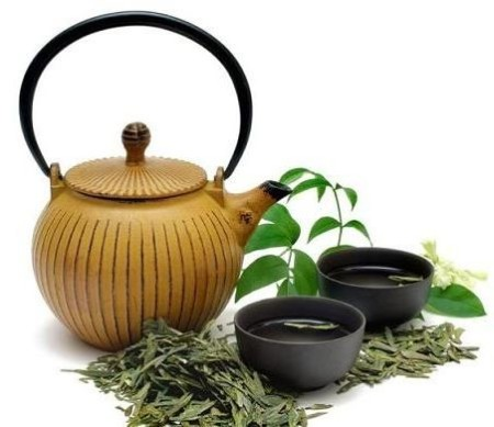 чайник пиалы травы