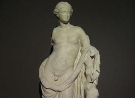 древняя статуя