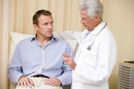 врач беседует с врачом