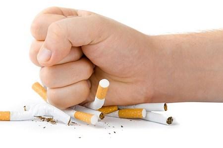 кулак на сигаретах