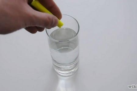 добавление капель в воду
