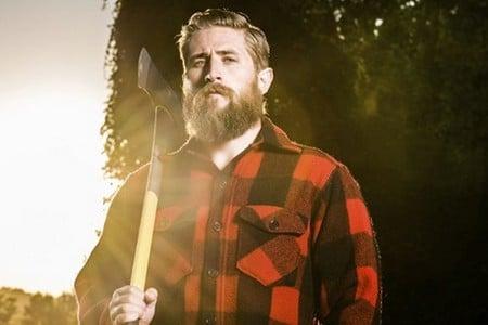 Брутальный мужчина с бородой