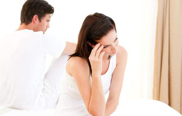 обиженная жена и муж
