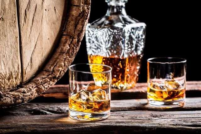 виски в скакане