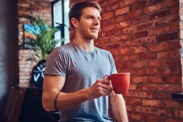 чашечка из твоей кофейни